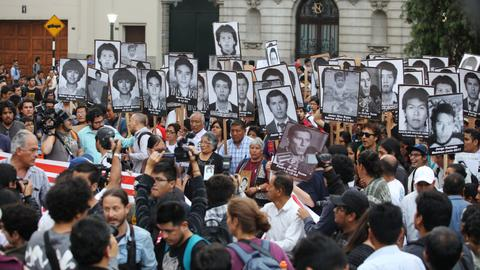 Peruvians march in protest against Fujimori pardon
