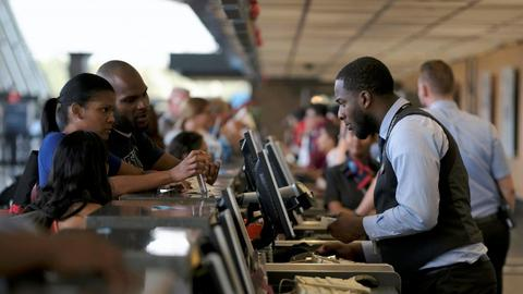Delays as US airport immigration computers go down