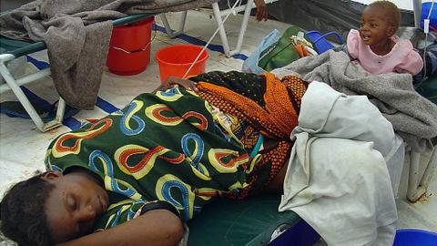 Zambia cholera outbreak: street vendors and public gatherings banned