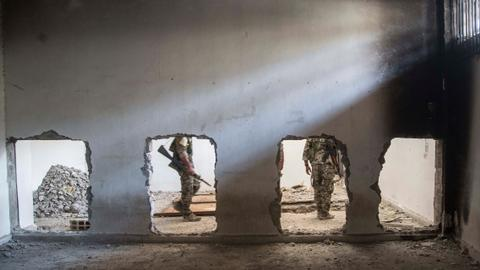 SDF rebuilding army to hold onto Syrian territory