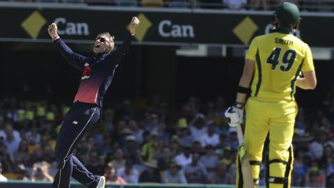Impressive England beat Australia in second ODI