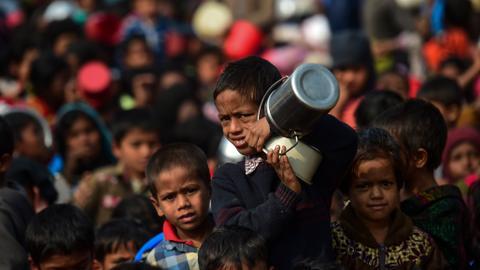 Bangladesh delays Rohingya refugees' return to Myanmar