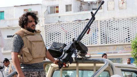 Heavy fighting kills nine in Yemen's Aden
