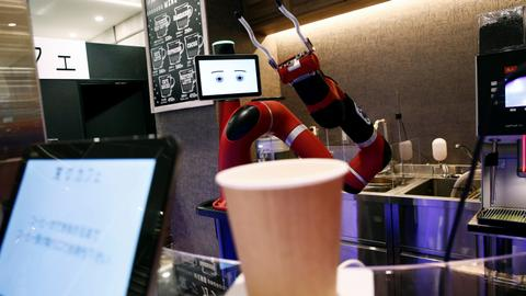 Robot barista replaces humans in Japanese cafe