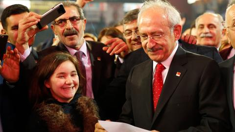 Kilicdaroglu re-elected as head of Turkey's main opposition party