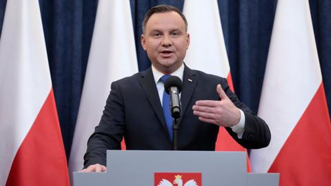 Polish president signs controversial Holocaust bill