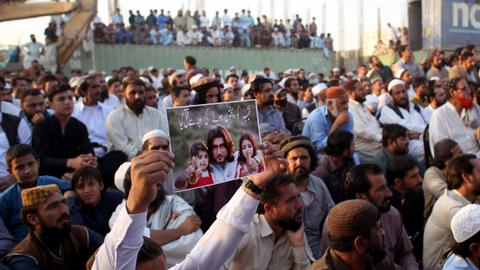 A victim's selfie exposed a Pakistani cop who killed 300 'terrorists'