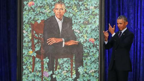 Obamas reveal unconventional portraits