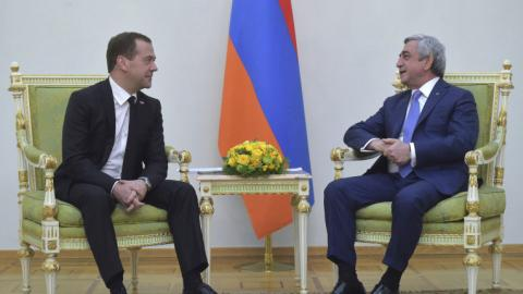 Russia calls for 'peaceful solution' to Karabakh tensions