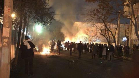 Five security officers killed during clashes with Sufi protesters in Iran