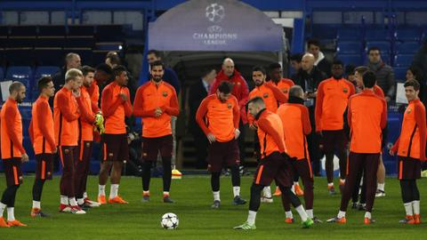 Barcelona play Chelsea and Bayern face Besiktas in Champions League last 16