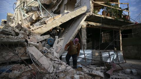 Syrian regime air strikes kill more than 250 people in Eastern Ghouta