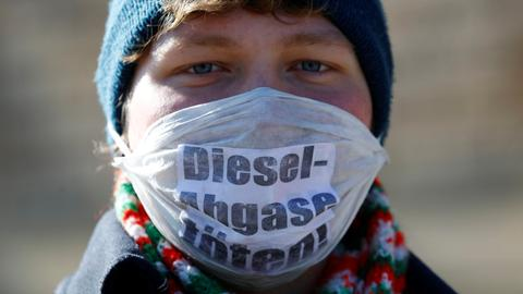 German court rules in favour of city bans on diesel cars