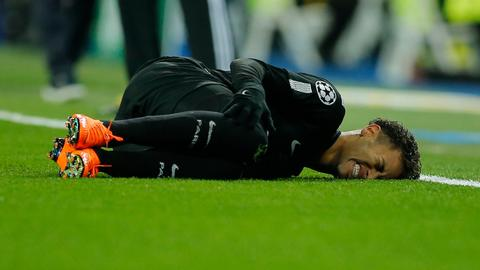 PSG denies reports Neymar will undergo surgery