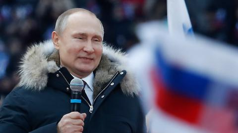 Putin stays tough on Europe ahead of March vote