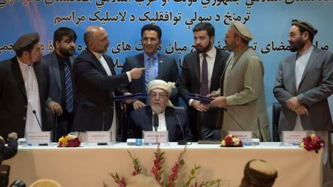 Afghan Government signs peace deal with opposition leader