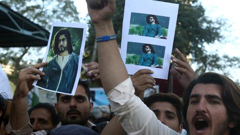 Pakistan arrests officer over killing that sparked protests