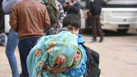 Syrian opposition groups, civilians leave penultimate Ghouta pocket