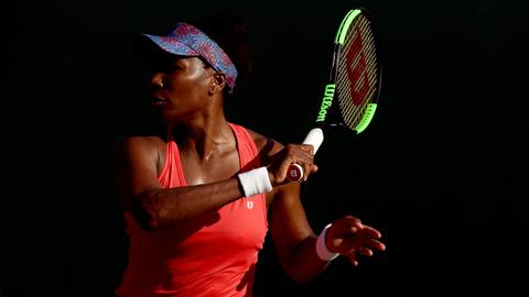 Venus, Azarenka march into Miami Open quarter-finals