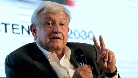 Mexican candidates vow to sweep out corruption in campaign launch
