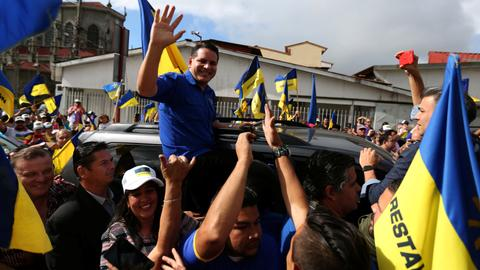 Costa Ricans vote in neck-and-neck presidential election