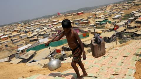 Myanmar not ready for return of Rohingya refugees - UN official
