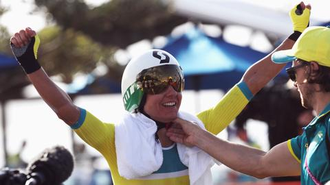Aussies win time trial golds, bungle rules out English rider