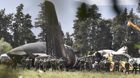 Algerian military plane crash kills 257