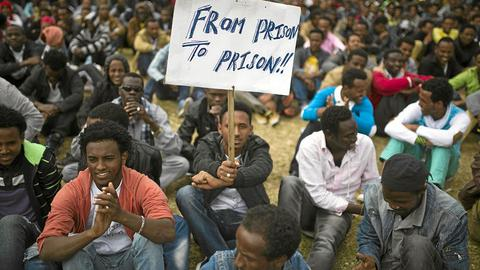 Uganda considering deal to take in African migrants from Israel