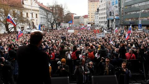 Slovak interior minister quits amid protests