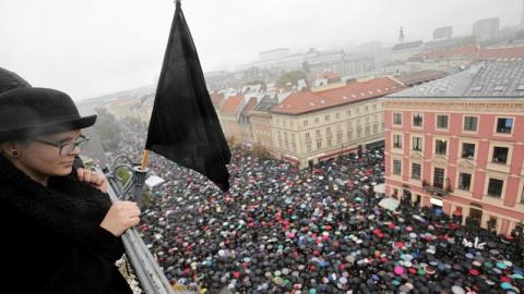 Polish parliament rejects bill on abortion ban