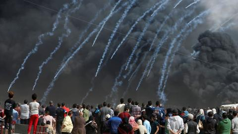Israeli army kills at least 4 protesters in Gaza, wounds over 600