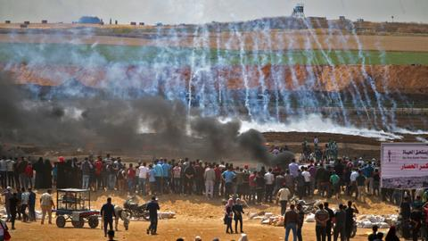 Palestinians protest on Gaza border: in pictures