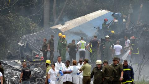 Plane crashes in Cuba with 104 passengers on board