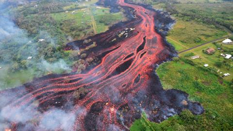 In pictures: lava flow nears Hawaii power plant