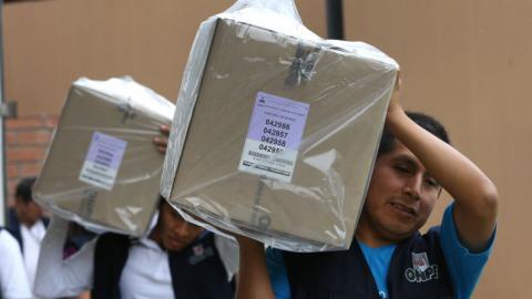 Peruvians vote in presidential election