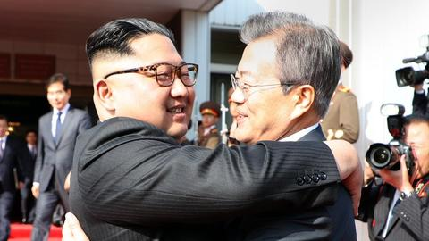 Leaders of two Koreas hold surprise meeting to discuss Trump-Kim summit