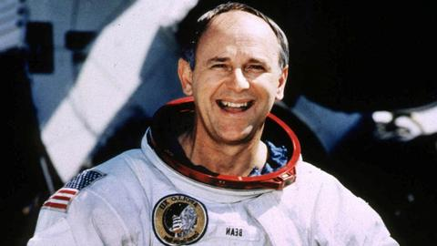 Alan Bean, Moon-walking US astronaut turned painter, dies