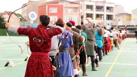 An archery contest carries 500 years of Ottoman tradition