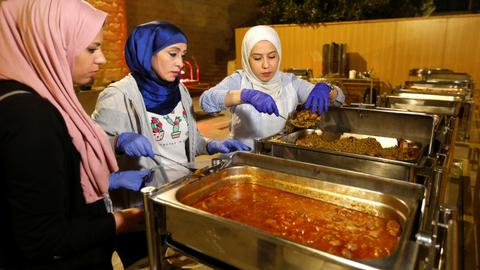 Jordanian charity gathers hotel leftovers to feed poor