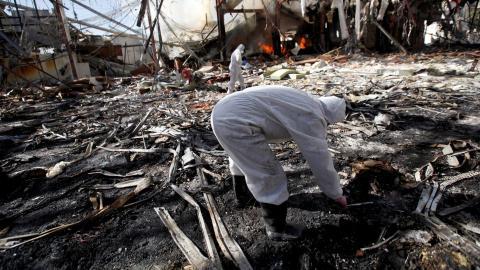 Air strikes kill 62 as Yemen's president rejects peace plan