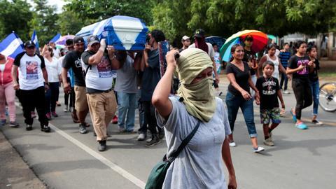 Nicaragua's Ortega agrees to halt violence