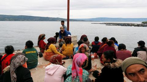 Indonesia lists 180 missing on doomed ferry