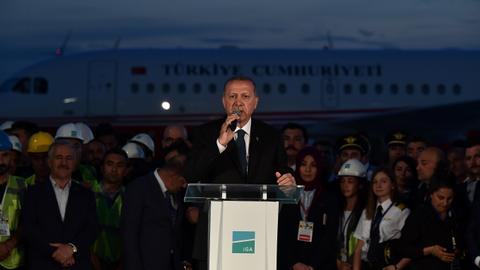 Erdogan's plane makes first ever landing at Istanbul's new colossal airport