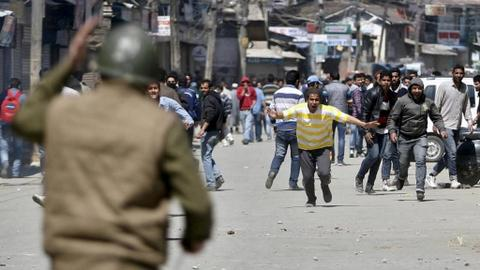 Gun battle leaves six dead in Kashmir