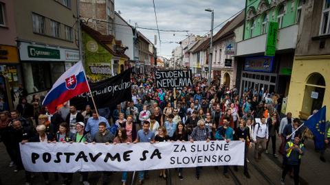 Farmers join anti-government protests in Slovakia's Bratislava