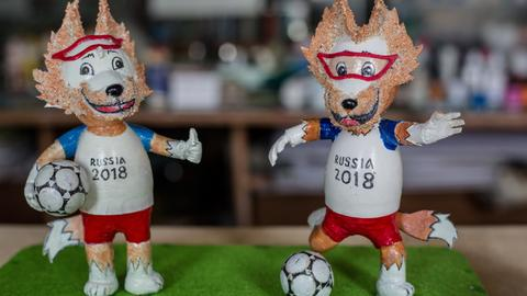Vietnam craftsman makes World Cup mascots from eggshells