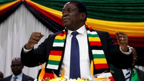 Blast hits Zimbabwe president rally