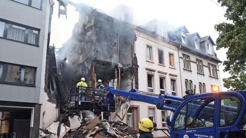 Explosion in apartment building injures at least 25 in Germany
