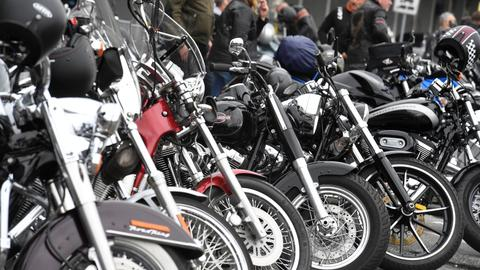 Trump blasts Harley plan to shift US production